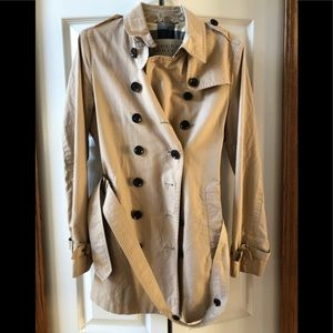 Burberry Brit gorgeous trench coat 🎀